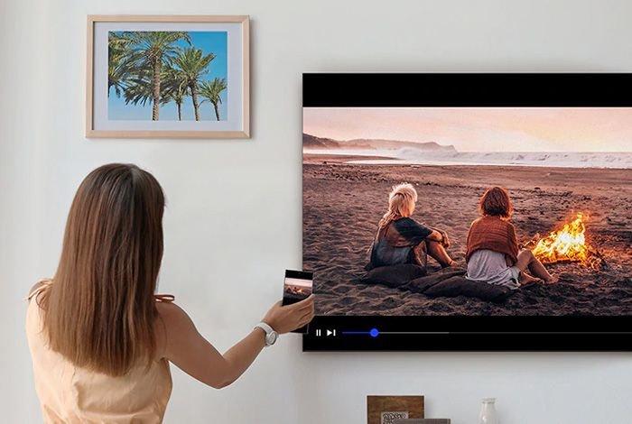 SAMSUNG LED UE75TU8002K TV - Сенсорный экран и дисплей